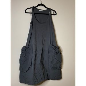 Dress with big pocket detail